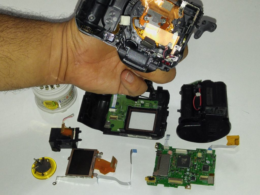 دوربینی که به پیچ گوشتی سپردمش